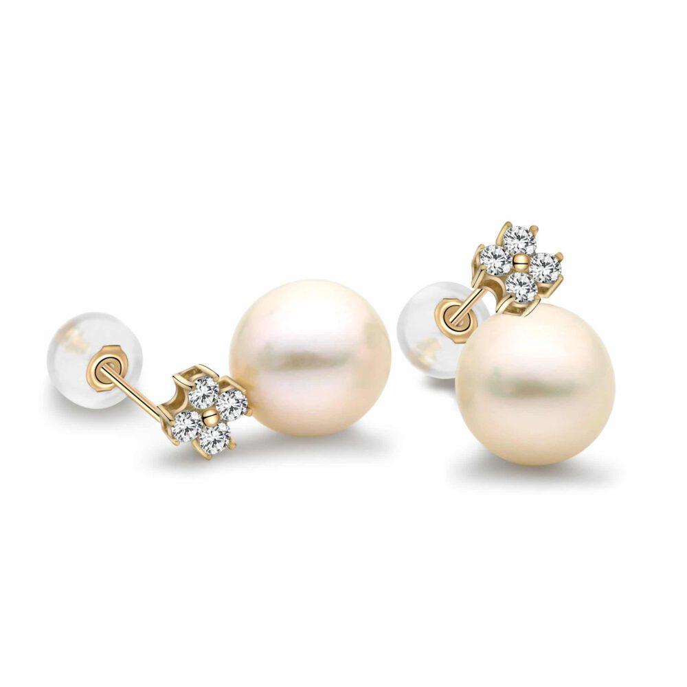 Freshwater Pearl Cloverleaf Stud Earrings in Yellow Gold